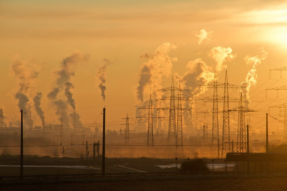 Stiai ca unul dintre generatorii celor mai grave boli este POLUAREA? In orasele poluate exista foarte multe persoane cu afectiuni pulmonare si cardiace, cancer si boli de piele.