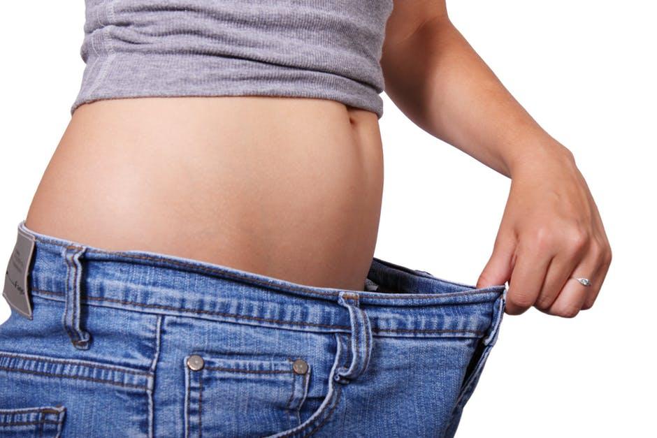 In momentul in care adoptam un stil de viata echilibrat nu doar vom ajunge la o greutate normala, ci vom elimina si riscul de a face boli cronice. Caci suprapoderabilitatea si obezitatea sunt mesagerele cancerului, ale bolilor cardiace, afectiunilor oasoase, diabetului.